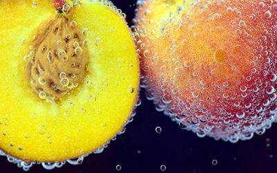 How to Peel a Ripe Peach for Salads, Pies & Cobblers